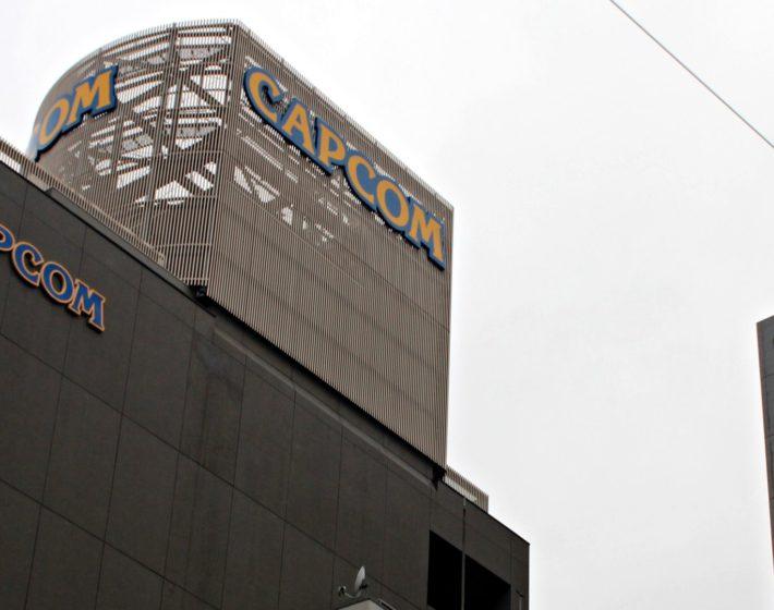 Batendo na porta da Capcom em Osaka [NGP NO JAPÃO]